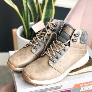 NIB KHOMBU NICK Memory Foam Boots
